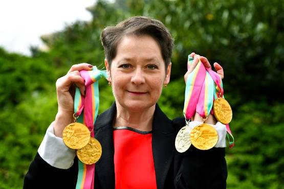 Ecaterina Szabo avec ses médailles olympique
